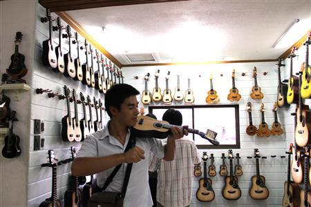 アレグレ ギター工場_e0220089_11193847.jpg