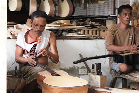 アレグレ ギター工場_e0220089_11194111.jpg