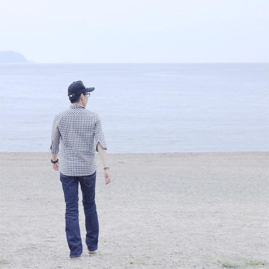 海辺を歩く人を撮る♪_a0189805_2258289.jpg