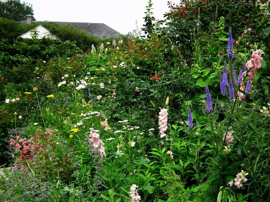 あの庭園に、あの小道の先に…またっ!?_e0064158_23364441.jpg