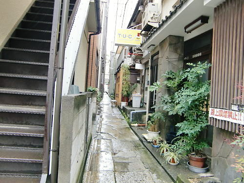 雨の神楽坂_d0218895_2136868.jpg