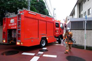 曲がれない消防車。_b0194208_21352484.jpg