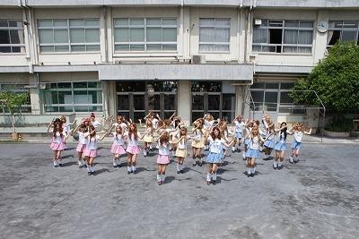 渋谷のギャルが、第5次パラパラブームを巻き起こすために遂に立ち上がる!_e0025035_1530554.jpg