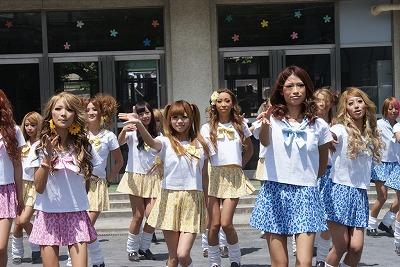 渋谷のギャルが、第5次パラパラブームを巻き起こすために遂に立ち上がる!_e0025035_15311826.jpg