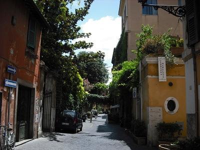 ローマ・マルグッタ通り(2)~風情ある地はまた、モダンアートの地だった!_a0172661_22124827.jpg