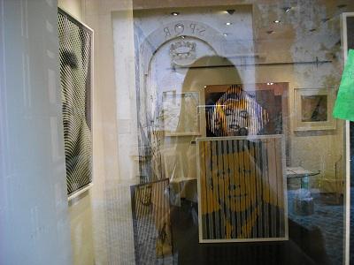 ローマ・マルグッタ通り(2)~風情ある地はまた、モダンアートの地だった!_a0172661_22182034.jpg