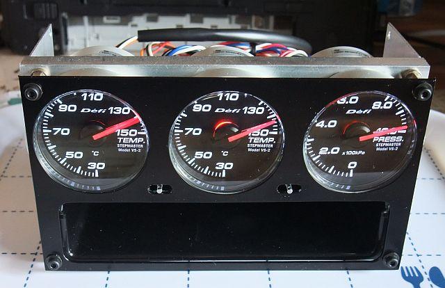 Defi Racer Gauge 3連メーターパネル ユニット完成♪_e0146484_14502915.jpg