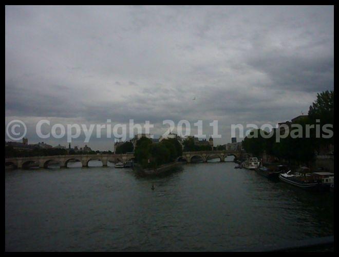 【散歩】6月17日ポン・ヌフ、芸術橋界隈(PARIS)_a0008105_19143328.jpg