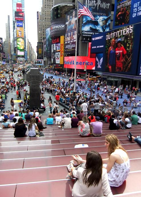 ニューヨークのブロードウェイ・ミュージカルが史上空前の人気爆発中!!!_b0007805_2291210.jpg
