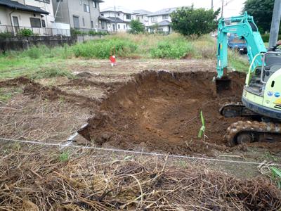 土を搬出してやり方出しです_a0148909_061551.jpg