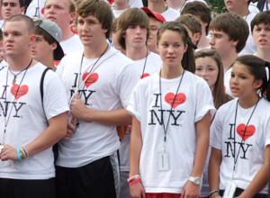 I Love New YorkのロゴTシャツを着た大勢の高校生たちと遭遇_b0007805_10141215.jpg