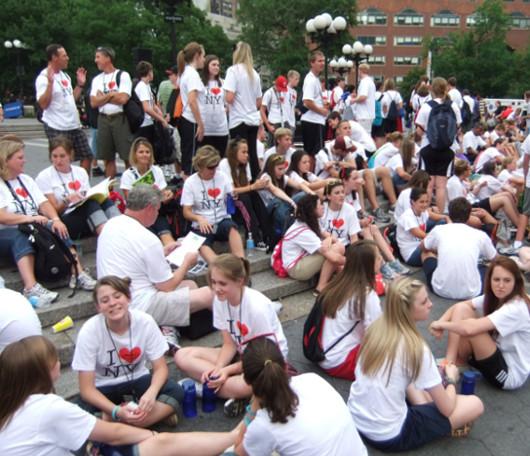 I Love New YorkのロゴTシャツを着た大勢の高校生たちと遭遇_b0007805_10142872.jpg