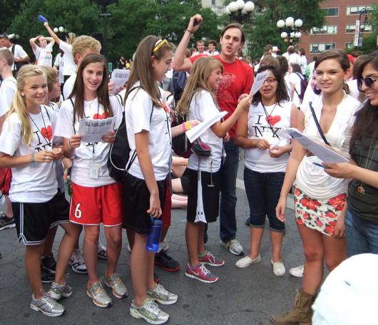 I Love New YorkのロゴTシャツを着た大勢の高校生たちと遭遇_b0007805_1014428.jpg