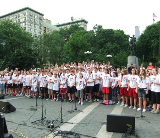 I Love New YorkのロゴTシャツを着た大勢の高校生たちと遭遇_b0007805_10151755.jpg