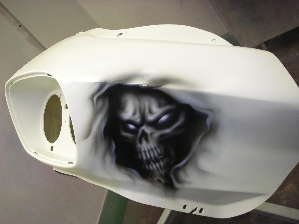 Harley-Davidson FLTRX カスタムペイント_f0115410_18442489.jpg