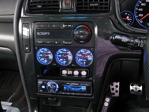 Defi Racer Gauge 3連メーターパネル ユニット 車内取り付け_e0146484_20532464.jpg