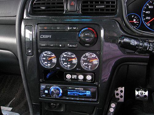 Defi Racer Gauge 3連メーターパネル ユニット 車内取り付け_e0146484_20533319.jpg