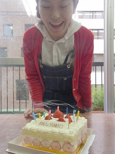 かすみちゃん、誕生日おめでとう!_a0117794_1812180.jpg