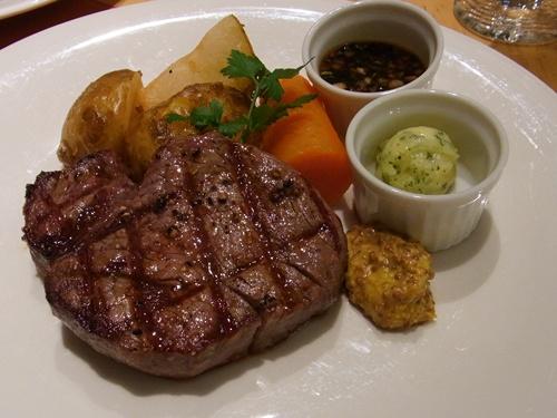 「アジオ」でお食事_f0012718_2254014.jpg