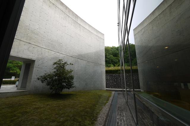 安藤忠雄氏設計 近つ飛鳥博物館_e0214805_6511669.jpg