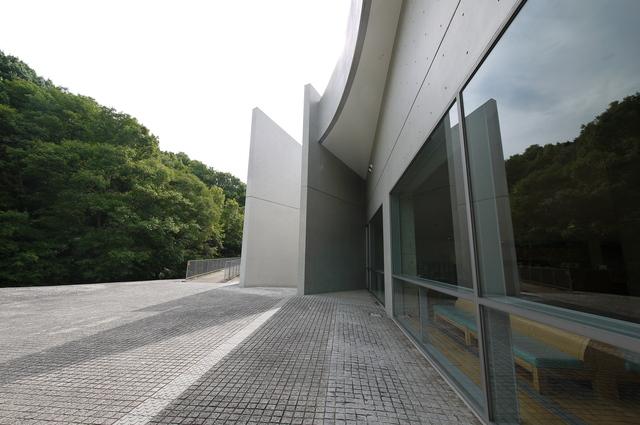 安藤忠雄氏設計 近つ飛鳥博物館_e0214805_6522753.jpg