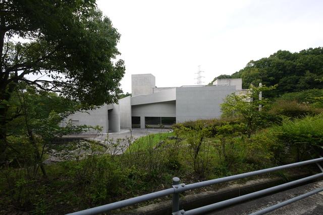 安藤忠雄氏設計 近つ飛鳥博物館_e0214805_6525257.jpg
