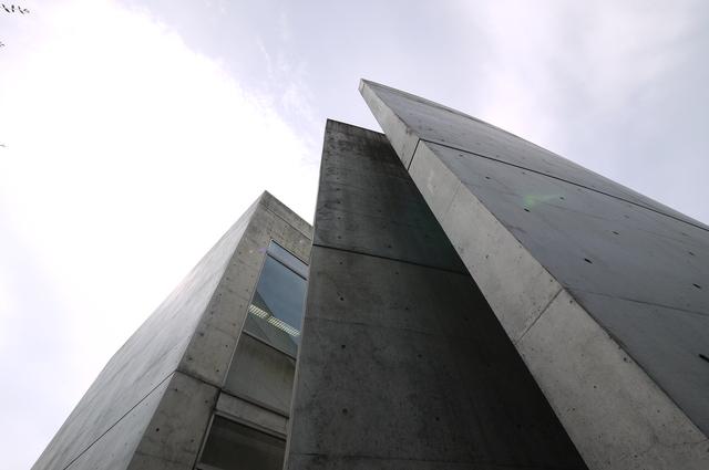 安藤忠雄氏設計 近つ飛鳥博物館_e0214805_6531728.jpg