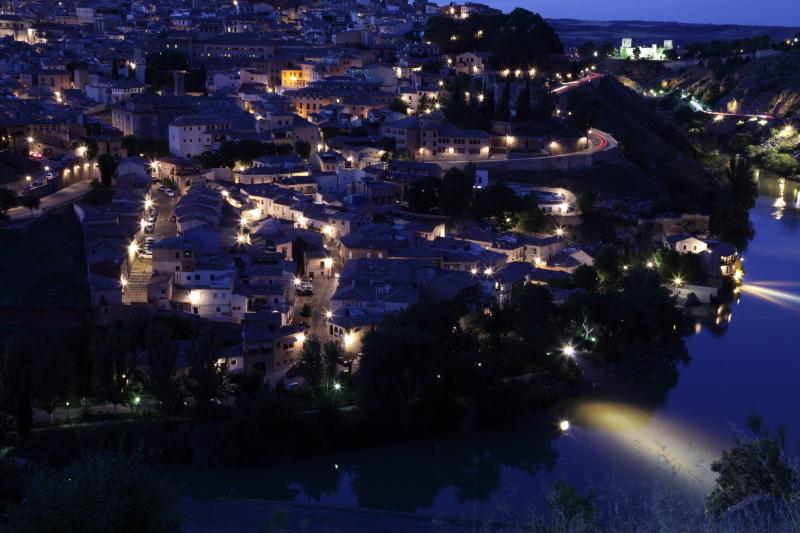 世界遺産の街 トレドの夜景_c0187779_15102779.jpg