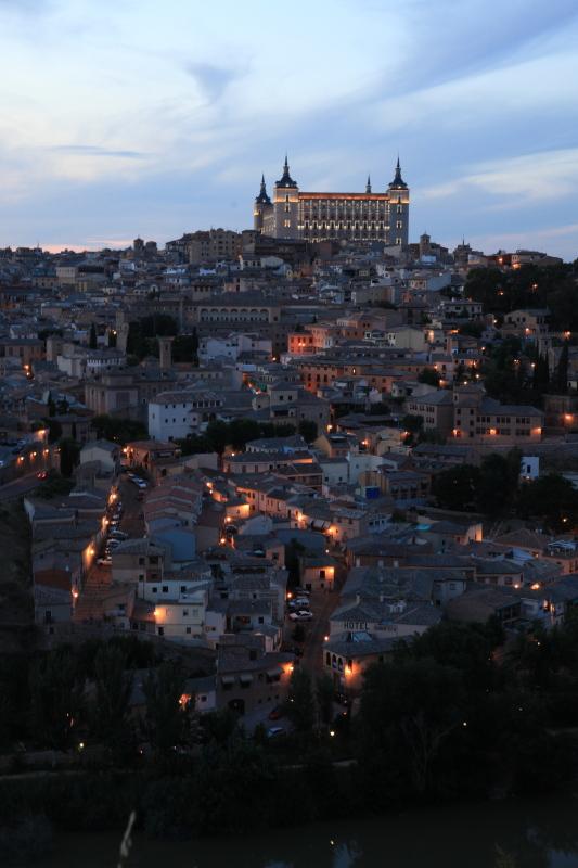 世界遺産の街 トレドの夜景_c0187779_15646100.jpg