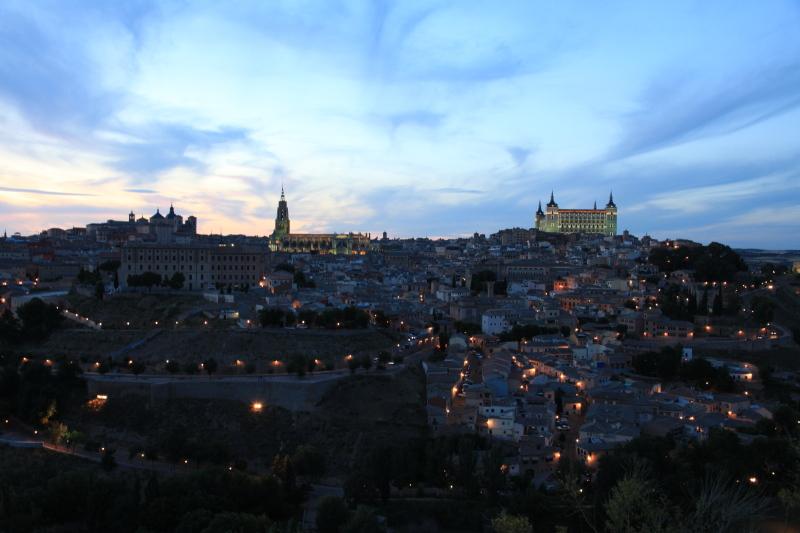 世界遺産の街 トレドの夜景_c0187779_1571643.jpg