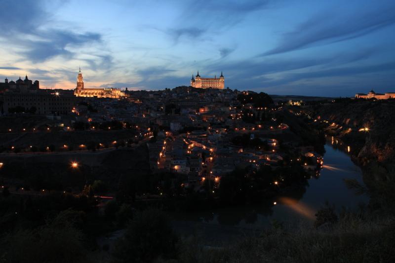 世界遺産の街 トレドの夜景_c0187779_1575651.jpg