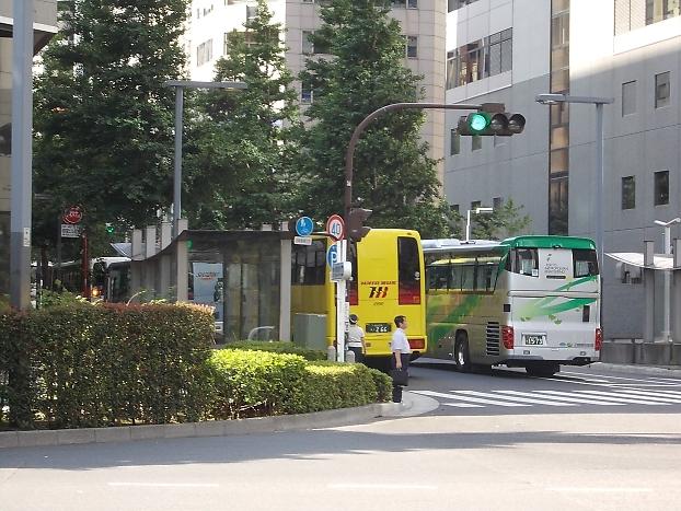 6/25新宿スタート_e0004218_2029411.jpg