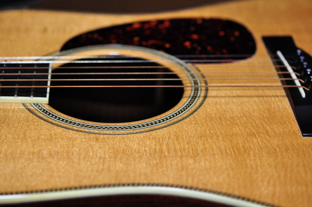 Large Sound Hole_f0208934_230319.jpg