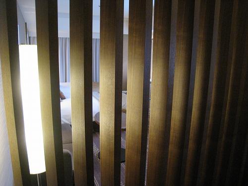 5月 ホテルオークラ福岡 コーナーデラックス ベッドルーム_a0055835_16393893.jpg