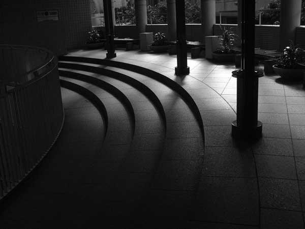 朝の回廊_e0024958_1758317.jpg