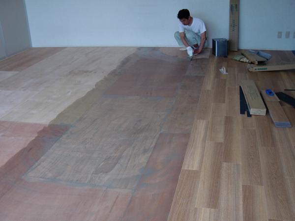 養護施設の床工事 ~ フロアタイル張り完成です。_d0165368_5253649.jpg