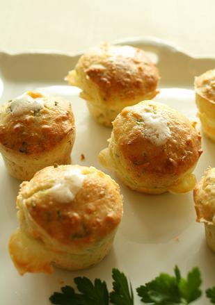 ハーブとチーズの塩味マフィン_b0107003_13404121.jpg