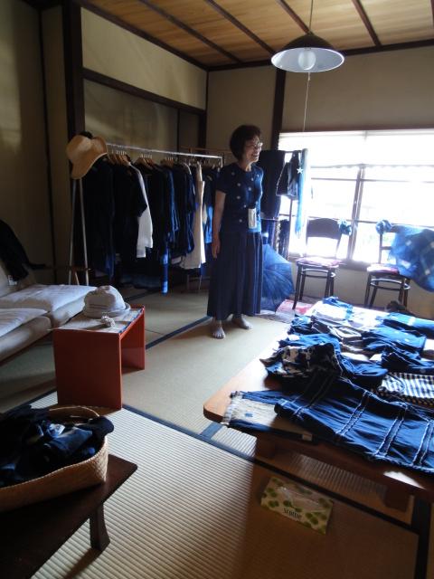 下駄展と藍染め初夏の服_d0157317_17505362.jpg