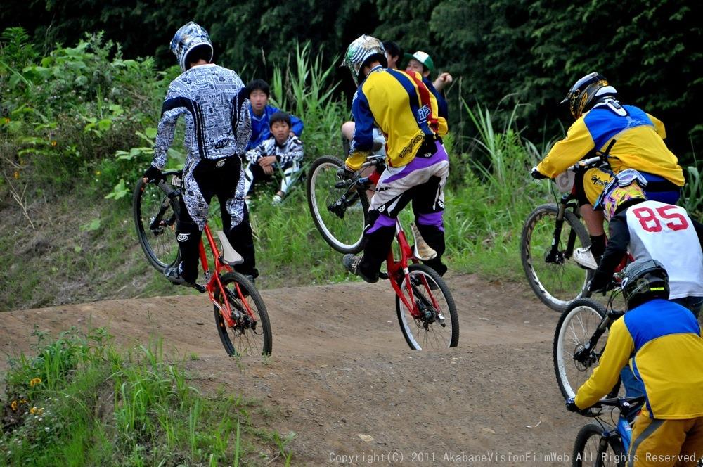 2011JOSF緑山6月定期戦VOL4:MTBエキスパート決勝_b0065730_2335260.jpg