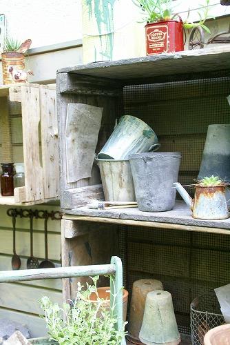 庭が雑貨屋さんみたいに大変身!_d0083761_19373693.jpg