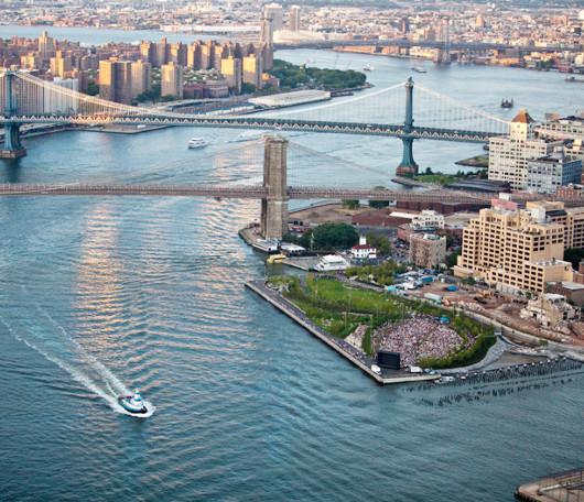 ブルックリン・ブリッジ・パークでカヤック遊びを無料で楽しめます_b0007805_1324852.jpg