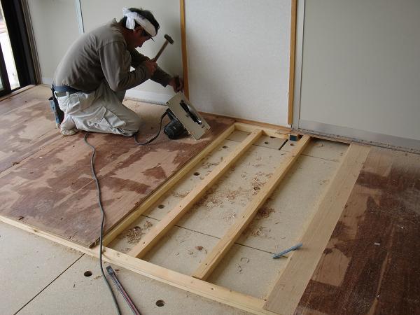 養護施設の床工事 ~ 2部屋目の工事。_d0165368_5305679.jpg