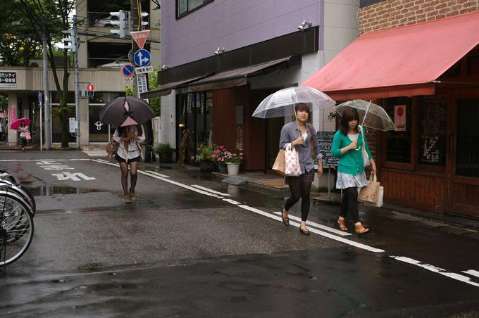 傘の華もまたいいね_e0082981_22244818.jpg