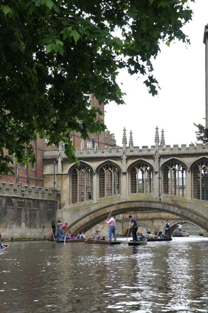 ケンブリッジ 800年の歴史をもつ世界最高峰の大学街_f0083294_4131090.jpg