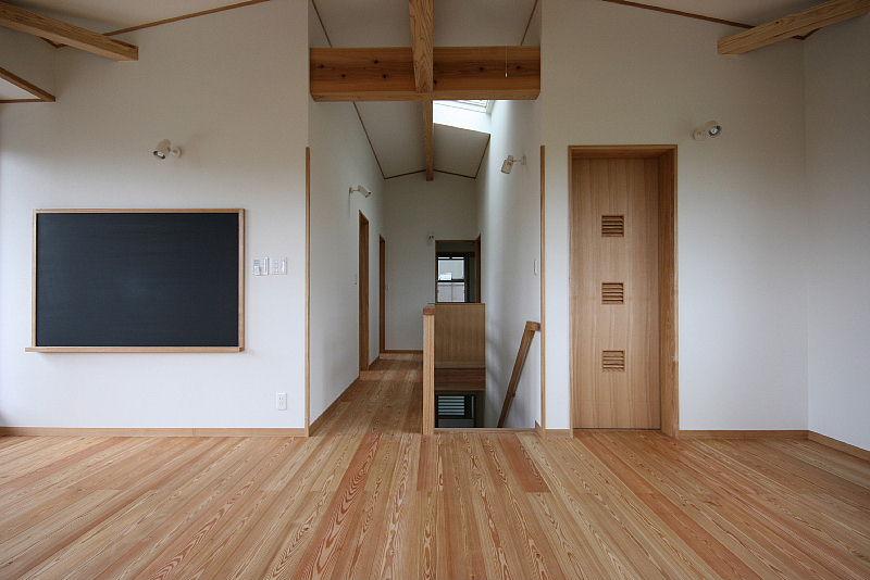 稲荷の家が 完成しました。_e0145995_20551942.jpg