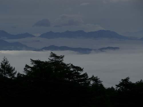 雲海の朝_e0120896_72141.jpg