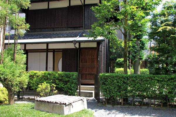 桂小五郎 像と旧邸_e0048413_21183430.jpg