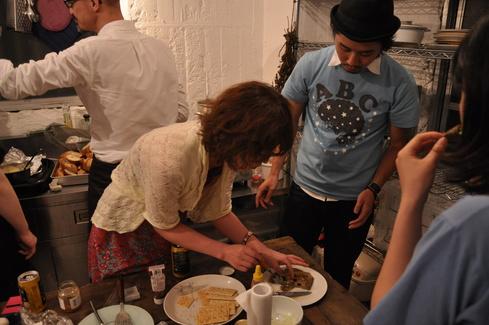 2011.6.25 アルパカ食堂 vol.3 〜古本とガレットの夜2〜_a0184716_147619.jpg