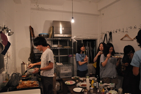 2011.6.25 アルパカ食堂 vol.3 〜古本とガレットの夜1〜_a0184716_1512662.jpg