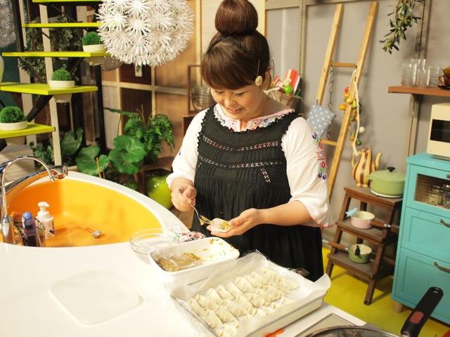 夏はスタミナ餃子です。_c0175022_22502966.jpg